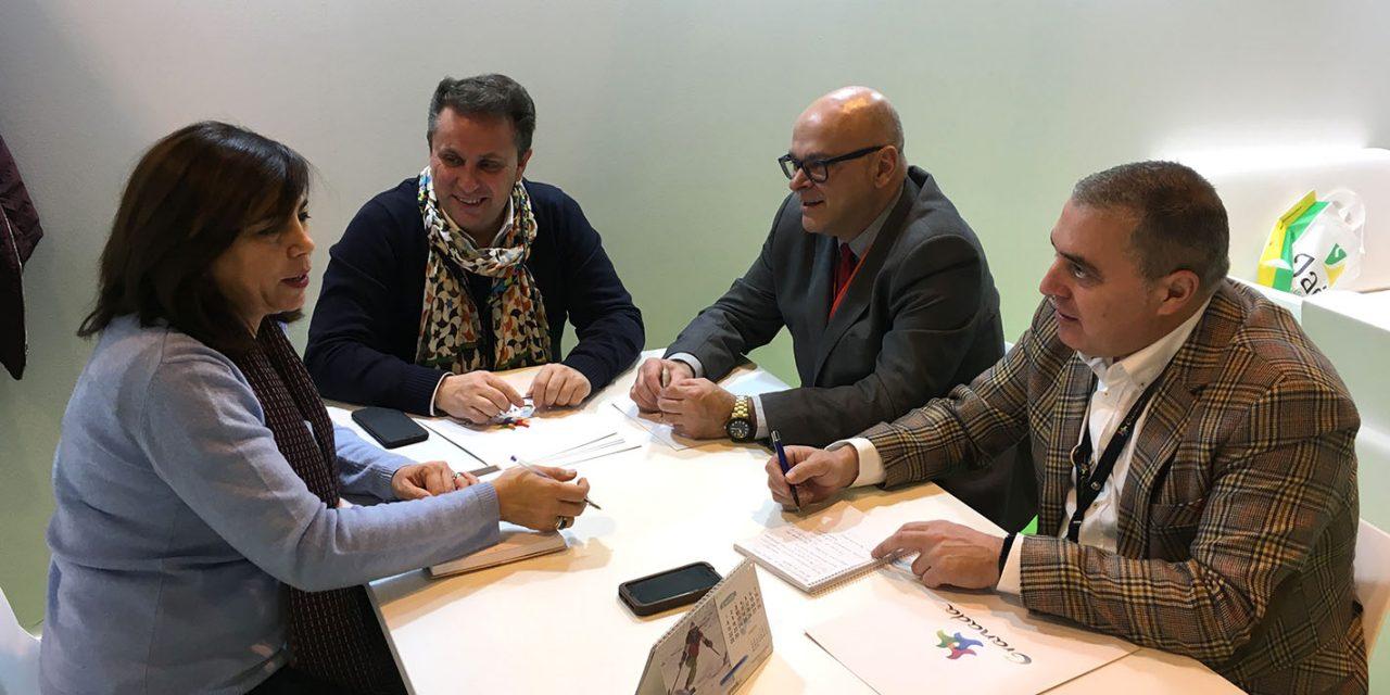Las diputaciones de Jaén y Granada acuerdan en Fitur intensificar su acción promocional para seguir ganando turistas extranjeros