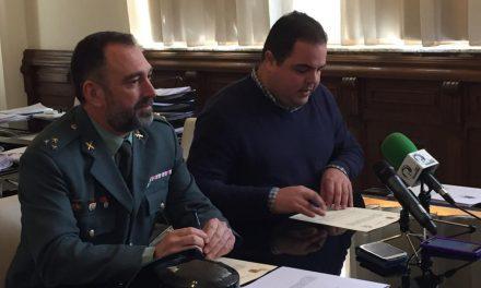 Ayuntamiento y Guardia Civil firman un acuerdo de cooperación para la mejora de las instalaciones de la Casa Cuartel de Martos