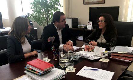 Reunión de trabajo para mejorar la calidad de los servicios sanitarios marteños