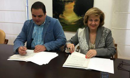 Firmado el convenio para garantizar el programa de tratamiento a familias con menores en situación de riesgo