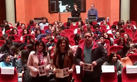 El teatro 'Maestro Álvarez Alonso' acoge la obra 'Miguel Hernández. Viento del pueblo'
