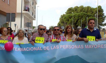 """Más de cien personas se suman a la Marcha """"Mayores Activos y Saludables"""""""
