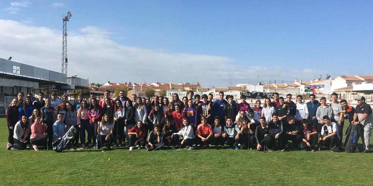 Mañana de golf para 155 escolares marteños