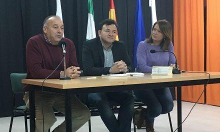 Los valores constitucionales centran una charla en el centro San Felipe Neri