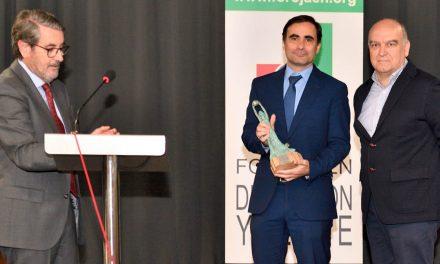 """La factoría de Valeo en Martos recibe el XV Premio """"Hermenegildo Terrados"""" por su contribución a la economía jiennense"""