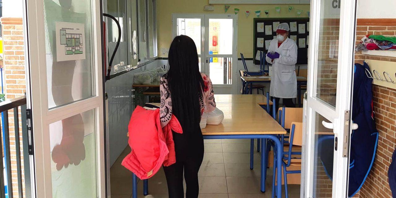 CRISIS CORONAVIRUS   Educación continúa ofreciendo las tres comidas diarias a escolares en riesgo de exclusión social de Martos