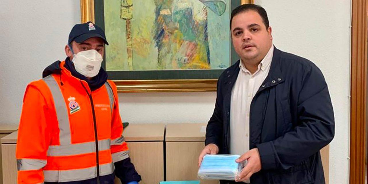 El Ayuntamiento recibe 5.000 mascarillas de Diputación para repartirlas entre el personal de los servicios básicos