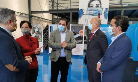 El alcalde pone en valor la importante vinculación entre el ámbito educativo y el empresarial en Martos
